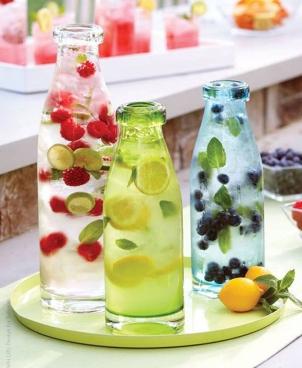 http://nuntaingradina.ro/limonade-bar-pentru-nuntile-de-vara-in-gradina/